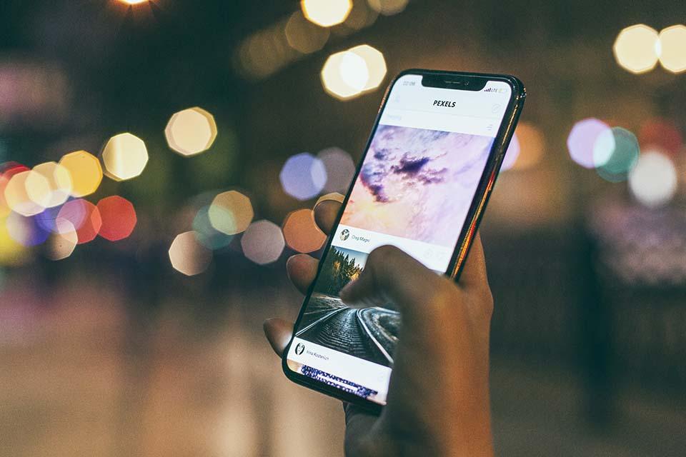 現在人手一支iPhone已經是見怪不怪的事情,不管是年輕人中年人還是年紀較大的長輩,對於智慧型手機iPhone這股熱潮都特別喜歡。因為iPhone代表了年輕、時尚、新潮流。現在科技發展迅速,手機淘汰率也跟著題高,因此許多人會將用不到的二手iPhone做買賣,或是賣掉手中的iPhone換現金,藉此可以購買當季最新出的機型。在台灣您可以看到很多的iphone收購,iPhone若維持的好,iphone…